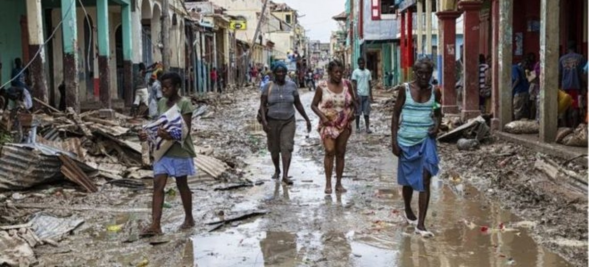 Hurricane Mathew: Haiti death toll nears 900