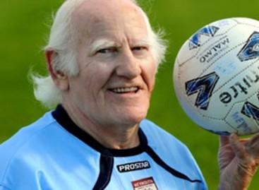 81-year-old British player, Dickie  Borthwick, seeks new club