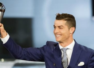 Cristiano Ronaldo beats Lionel Messi to win Fifa best player award