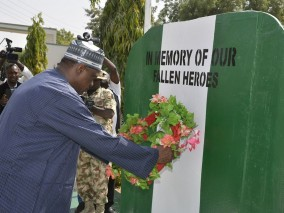 Governor Ibrahim Gaidam of Yobe state laying wreath at the 2016 Armed Forces Remembrance Day Celebrations at Government House, Damaturu.