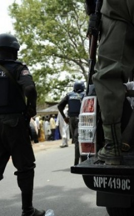 Police, DSS nab 13 in Port Harcourt over sale of Naira Notes