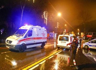 Gunmen dressed as Santa kill 35 in Turkey nightclub