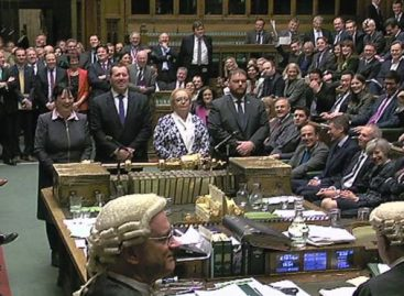 Parliament endorses bill to commence Brexit talks
