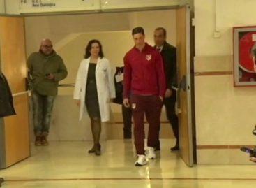 Torres leaves hospital after head injury