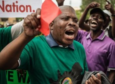South African protesters demand Zuma's resignation