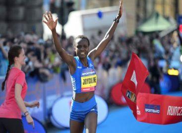Kenyan's Joyciline Jepkosgei breaks four world records at Prague Half Marathon