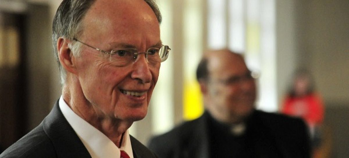 Alabama governor resigns over adultery scandal