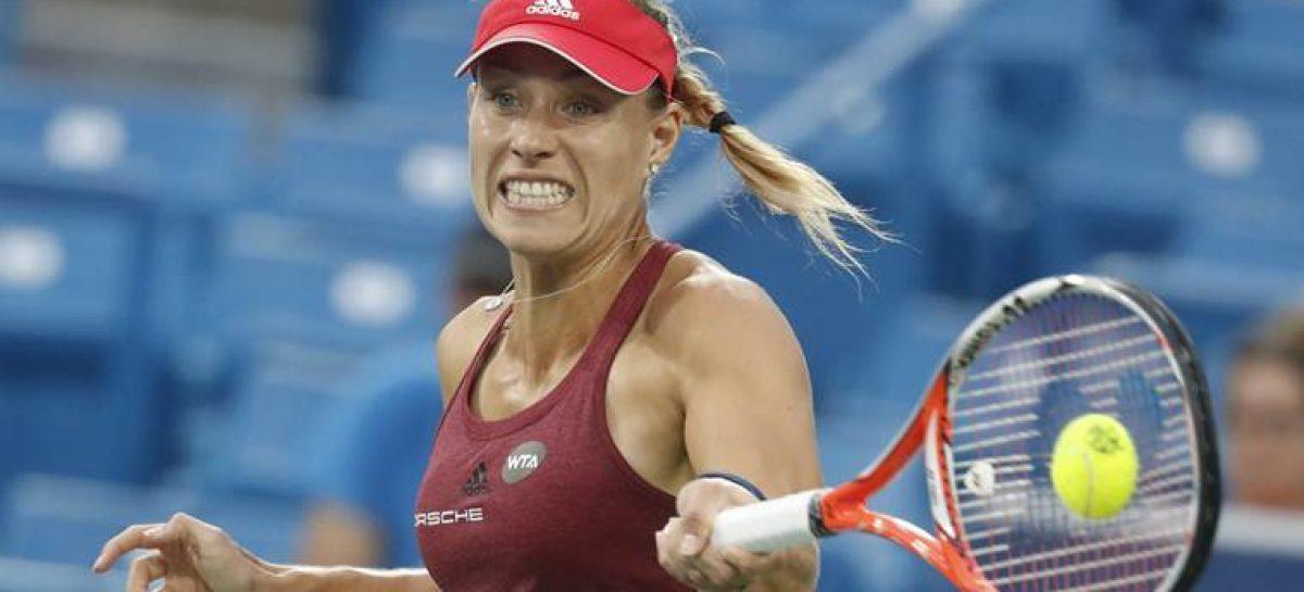Kerber now top of WTA rankings