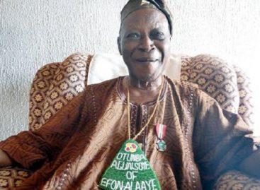 Buhari felicitates with ace broadcaster, Kunle Olasope, at 80