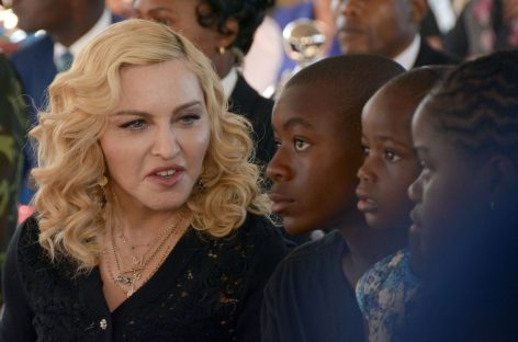 Madonna asks court to stop auction of Tupac's love letter