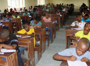 Gov Obaseki invigilates primary school exams in Benin
