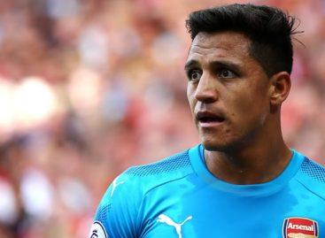 Arsenal reject Manchester City's £50m bid for Sanchez