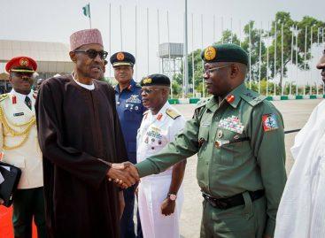Buhari, security chiefs in closed-door meeting