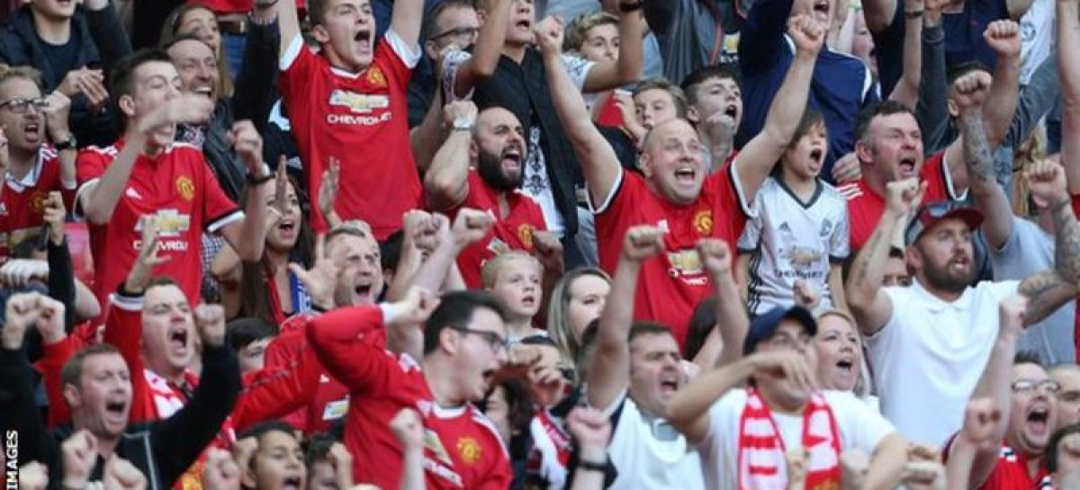Online poll gives United EPL title