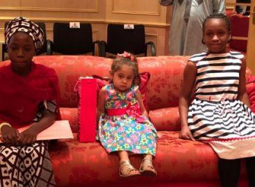 Buhari meets young admirers