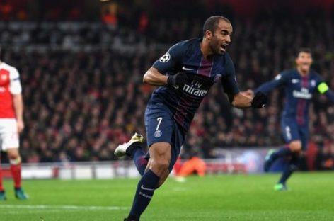 Spurs to sign PSG's  Moura for £25m