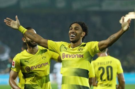 Aubameyang arrives London to complete Arsenal move