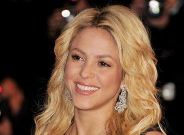 Shakira makes history at Grammy Awards