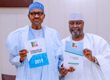 2019: Buhari receives N45m nomination form, says weak, selfish politicians have exited APC