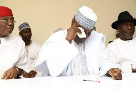 Atiku weeps as young supporters buy PDP forms for him