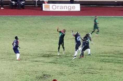 President George Weah plays as Nigeria beat Liberia 2-1