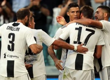 Ronaldo shines as Juventus beat Napoli 3-1