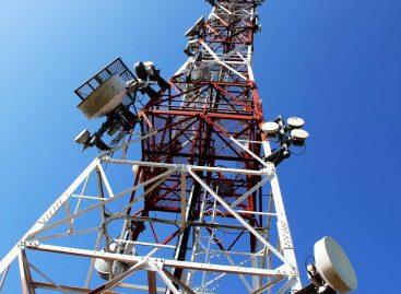 Buhari sets ambitious targets for broadband coverage