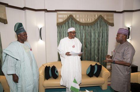 2019: Buhari meets Amosun, APM chairman, receives adoption letter