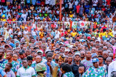 I'm for all APC candidates – Buhari