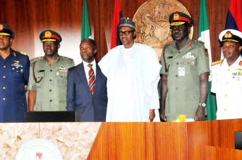 Buhari, service chiefs in crucial meeting