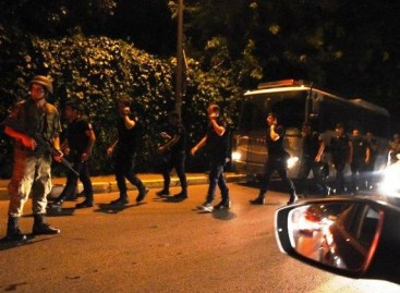 Turkey sacks 9,000 officials in crackdown against suspected coup plotters
