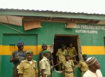 Jailbreak: FG to equip prisons with CCTVs