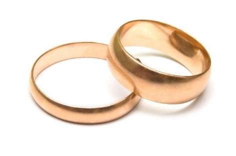 85-year-old on trial for stealing wedding ring