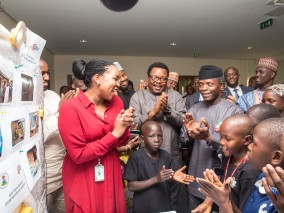 Osinbajo with PEACH winner 2016 at the Presidential villa