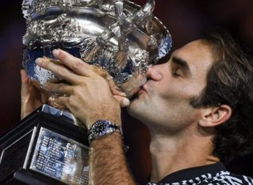 Roger Federer & Rafael Nadal turn back clock in Australian Open final