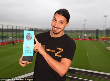 Manchester United star Zlatan Ibrahimovic all smiles after winning the Premier League's best player award for December