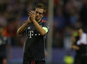 Bayern captain, Philip Lahm, announces retirement