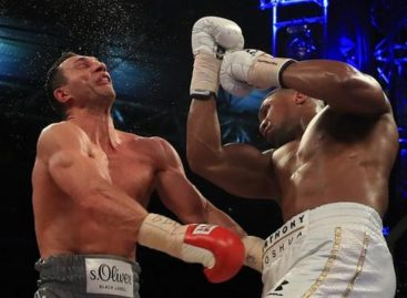 Joshua knocks down Klitschko in 11th round