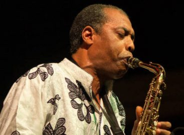 Femi Kuti breaks world saxophone record set by Kenny G