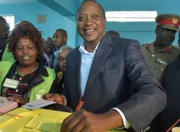 Kenyatta takes lead in Kenya's presidential poll