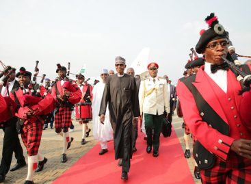 Buhari arrives Abuja, ignores guard of honour