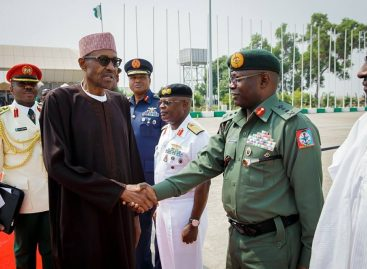 Buhari, security chiefs in closed-door meeting