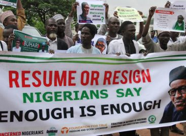 Protesters storm Presidential Villa, call for Buhari's resignation