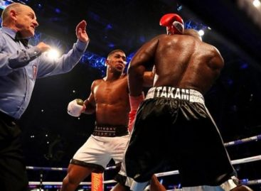 Joshua defeats Takam in 10th round
