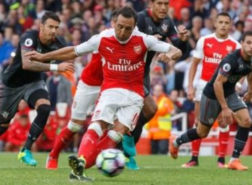 Arsenal star, Cazorla, suffers injury setback