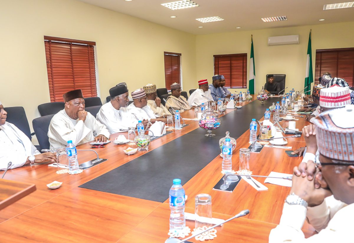 Vice President Yemi Osinbajo had a close-door meeting with members of the New PDP (nPDP) bloc in the APC at Aguda House, Abuja.  Those who were at the meeting were President of the Senate, Dr Abubakar Bukola Saraki; Speaker of the House of Representatives, Mr. Yakubu Dogara; and former Governor of Kano state, Senator Rabiu Musa Kwankwaso, among others.