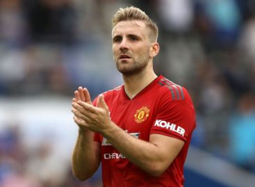 Man United's Shaw could play against Watford after suffering concussion