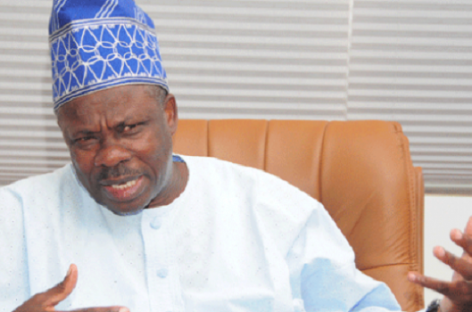 Oshiomhole a hypocrite who lacks respect for truth and justice, says Governor Amosun