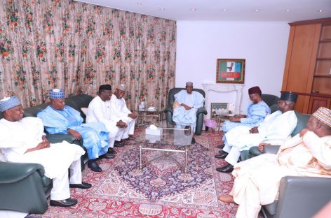 Buhari meets Osinbajo, seven APC governors in Aso Rock